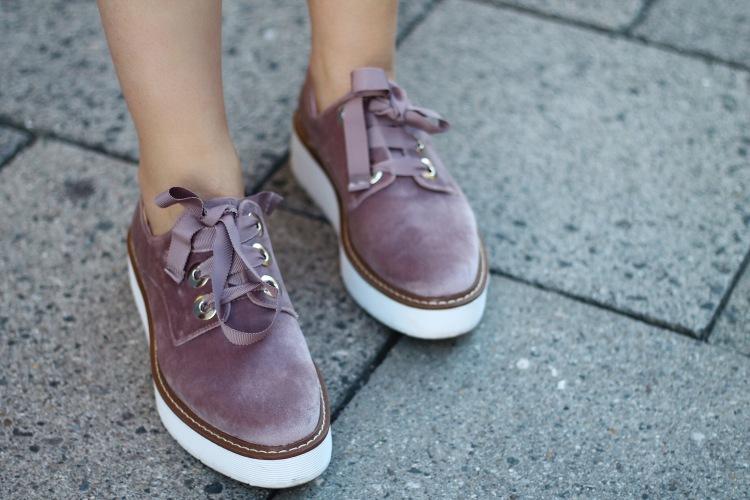 lauraherz-fashionblogger-munich-zara-velvet-shoes