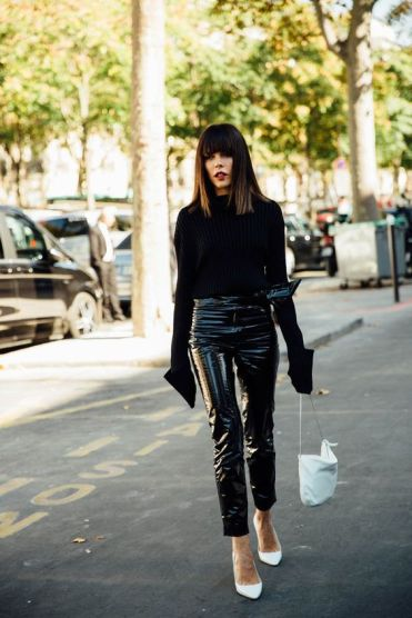 All Black Look mit Vinyl Hose