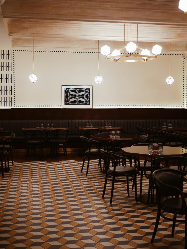 Cerna Madona Kubistisches Restaurant