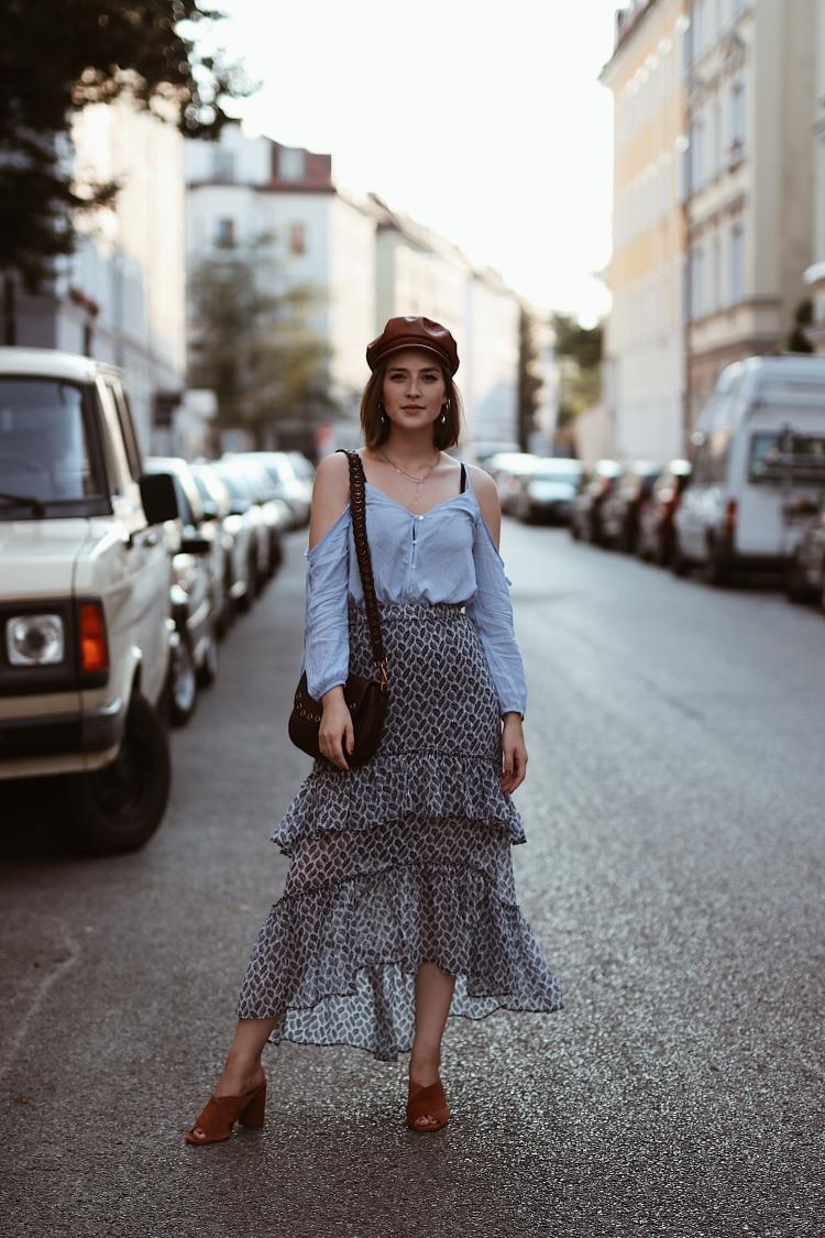 H&M Cold-Shoulder Bluse, Maxirock und Brixton Leder Elbsegler